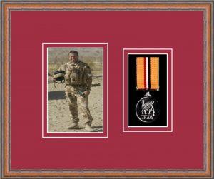 Military Medal Frame – M1PH-14C Teak-Beaujolais Mount