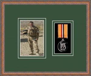 Military Medal Frame – M1PH-14C Teak-Forest Green Mount