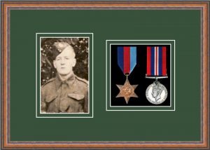 Military Medal Frame – M2PH-14C Teak-Forest Green Mount