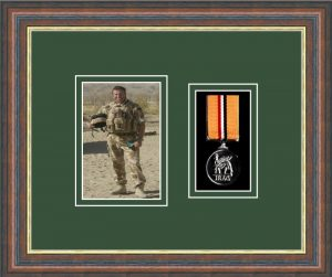 Military Medal Frame – M1PH-45F Mahogany-Forest Green Mount