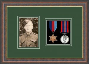 Military Medal Frame – M2PH-45F Mahogany-Forest Green Mount