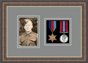 Military Medal Frame – M2PH-45F Mahogany-Grey Mount
