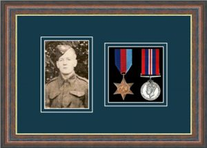 Military Medal Frame – M2PH-45F Mahogany-Nightshade Mount