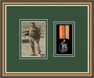 Military Medal Frame – M1PH-49H Walnut-Forest Green Mount