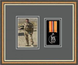 Military Medal Frame – M1PH-49H Walnut-Grey Mount