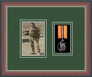 Military Medal Frame – M1PH-78F Dark Walnut-Forest Green Mount