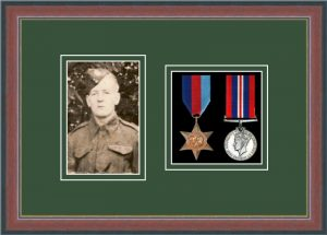 Military Medal Frame – M2PH-78F Dark Walnut-Forest Green Mount