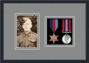 Military Medal Frame – M2PH-84D Black-Grey Mount