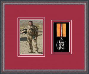 Military Medal Frame – M1PH-8C Oak-Beaujolais Mount