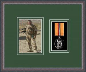 Military Medal Frame – M1PH-8C Oak-Forest Green Mount