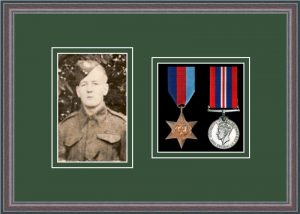 Military Medal Frame – M2PH-8C Oak-Forest Green Mount