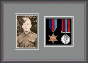 Military Medal Frame – M2PH-8C Oak-Grey Mount