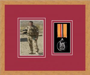 Military Medal Frame – M1PH-98F Light Woodgrain-Beaujolais Mount