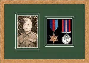 Military Medal Frame – M2PH-98F Light Woodgrain-Forest Green Mount