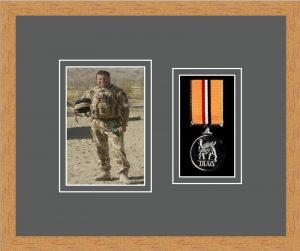 Military Medal Frame – M1PH-98F Light Woodgrain-Grey Mount