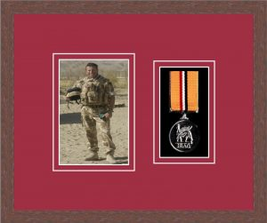 Military Medal Frame – M1PH-99F Dark Woodgrain-Beaujolais Mount