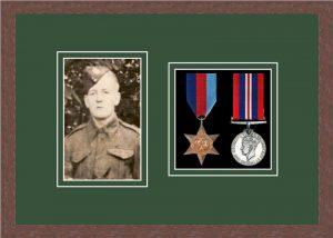Military Medal Frame – M2PH-99F Dark Woodgrain-Forest Green Mount