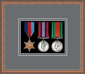 Military Medal Frame – M3-14C Teak-Grey Mount
