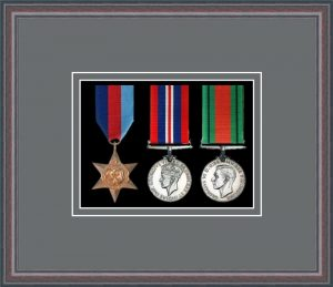 Military Medal Frame – M3-8C Oak-Grey Mount