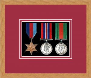 Military Medal Frame – M3-98F Light Woodgrain-Beaujolais Mount