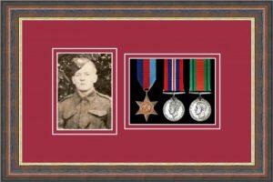 Military Medal Frame – M3PH-45F Mahogany-Beaujolais Mount