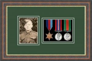Military Medal Frame – M3PH-45F Mahogany-Forest Green Mount