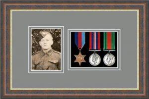 Military Medal Frame – M3PH-45F Mahogany-Grey Mount