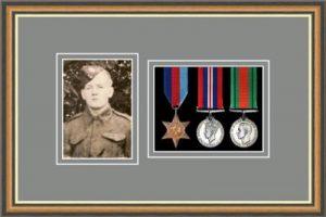 Military Medal Frame – M3PH-49H Walnut-Grey Mount