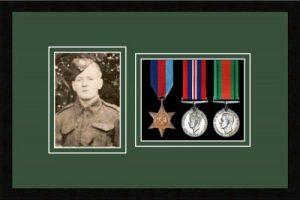 Military Medal Frame – M3PH-77i Black-Forest Green Mount