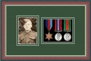 Military Medal Frame – M3PH-78F Dark Walnut-Forest Green Mount
