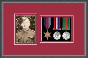 Military Medal Frame – M3PH-8C Oak-Beaujolais Mount