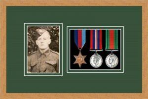 Military Medal Frame – M3PH-98F Light Woodgrain-Forest Green Mount