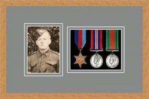 Military Medal Frame – M3PH-98F Light Woodgrain-Grey Mount