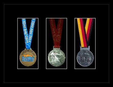Marathon Medal Frame – S15-77i Black-Black Mount