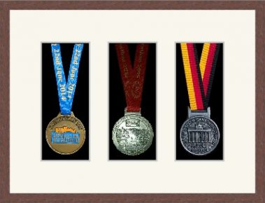 Marathon Medal Frame – S15-99F Dark Woodgrain-Antique White Mount