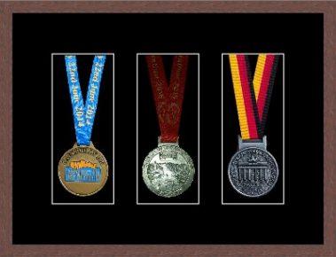Marathon Medal Frame – S15-99F Dark Woodgrain-Black Mount