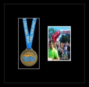 Marathon Medal Frame – S2PH-192H Black Woodgrain-Black Mount
