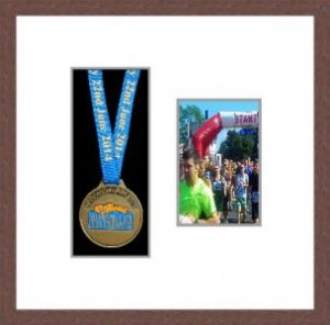 Marathon Medal Frame – S2PH-99F Dark Woodgrain-Antique White Mount