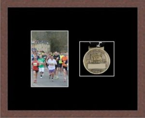 Marathon Medal Frame – S4-99F Dark Woodgrain-Black Mount